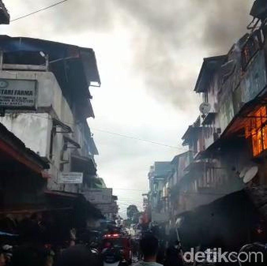 Terjebak Kebakaran, Suami-Istri di Ambon Loncat dari Ruko