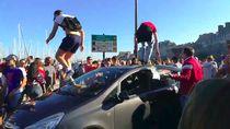 Duh, Mobil Ini Jadi Korban Perayaan Kemenangan Prancis