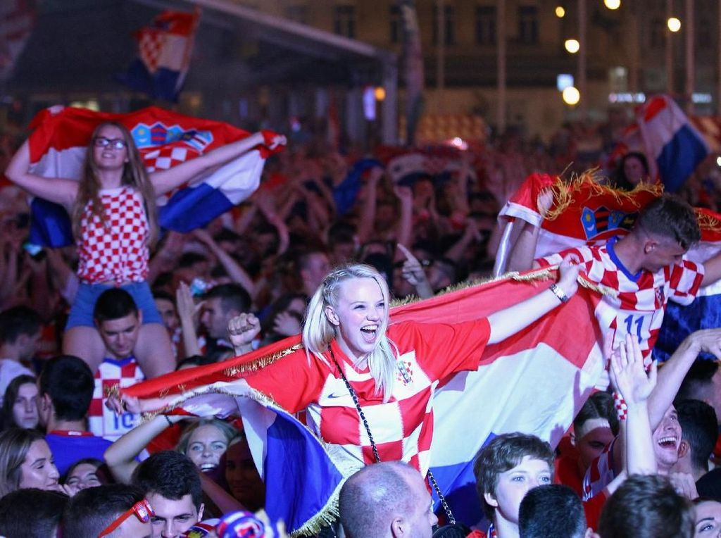 Video: Bikin Merinding! Nyanyian Kekalahan Suporter Kroasia