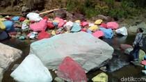 Wisata Batu Kali Dicat Warna-warni yang Viral di Kudus Ilegal
