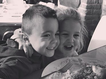 Tahun ini, si kakak Leo genap berumur 6 tahun dan si adik Manu genap berumur 4 tahun. (Foto: Instagram/ @joop8)
