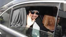 Peluk Penyanyi Pria di Panggung, Wanita Arab Saudi Ditangkap