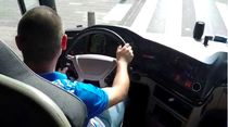 Naik Bus Berpelat Kroasia Jelajahi Eropa