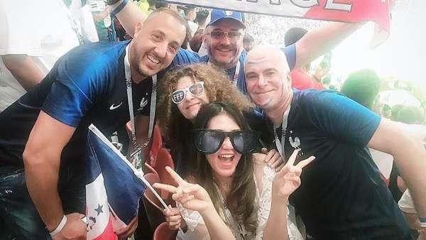 Gaya Via Vallen Nonton Piala Dunia, Ada yang Salah Kostum?