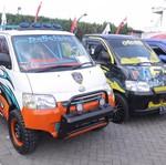 Puluhan Mobil Daihatsu Disulap Jadi Keren