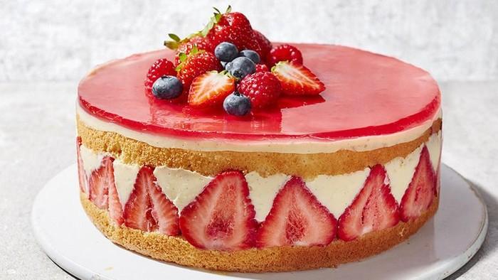 Di Prancis, masyarakat menyebut cake untuk kue bernama fraisier cake. Kue manis dengan limpahan buah strawberry segar. Foto: Istimewa