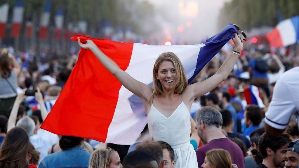 Asyik! Turis Pemegang Fan ID Bebas Visa ke Rusia hingga Akhir Tahun