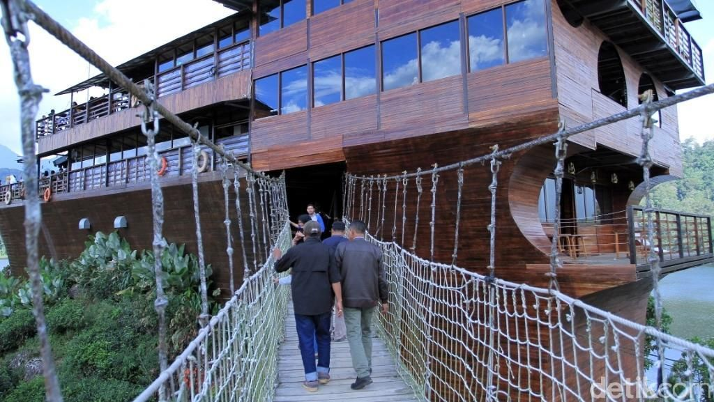Siapa Berani Lewat Jembatan Gantung Situ Patenggang?