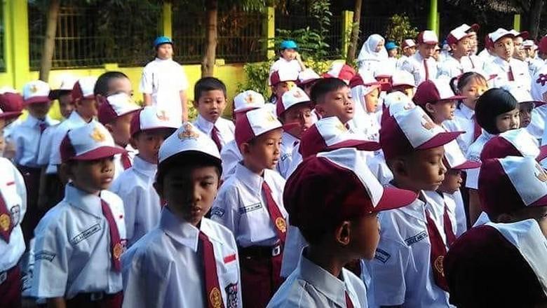 7 Saran tentang Posting Foto Anak di Hari Pertama Sekolah/ Foto: Nenty