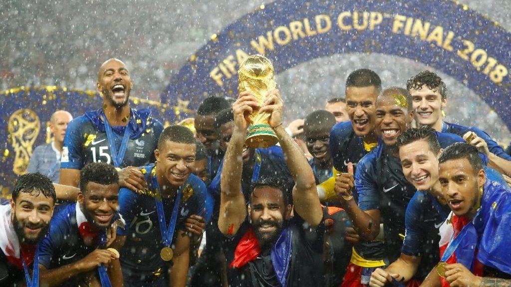 Jimat Prancis di Piala Dunia: Dulu Kepala Barthez, Kini Kumis Rami