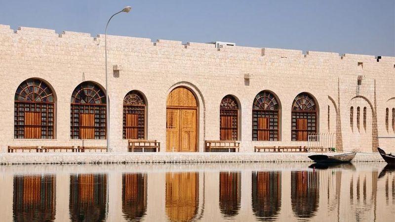 Museum Syekh Faisal Bin Qassim Al Thani atau (Museum FBQ) adalah tempat terbaik untuk menikmati koleksi-koleksi berharga dari Syekh Faisal Bin Qassim Al Thani. Museum ini terletak di Kota Doha, Qatar. (fbqmuseum/Instagram)