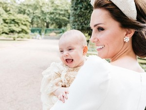 Gemas! Saat Pangeran Louis Tertawa Lebar di Pelukan Kate Middleton