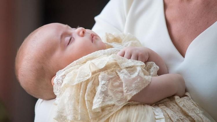 Aih, Manisnya Senyum Ceria Pangeran Louis