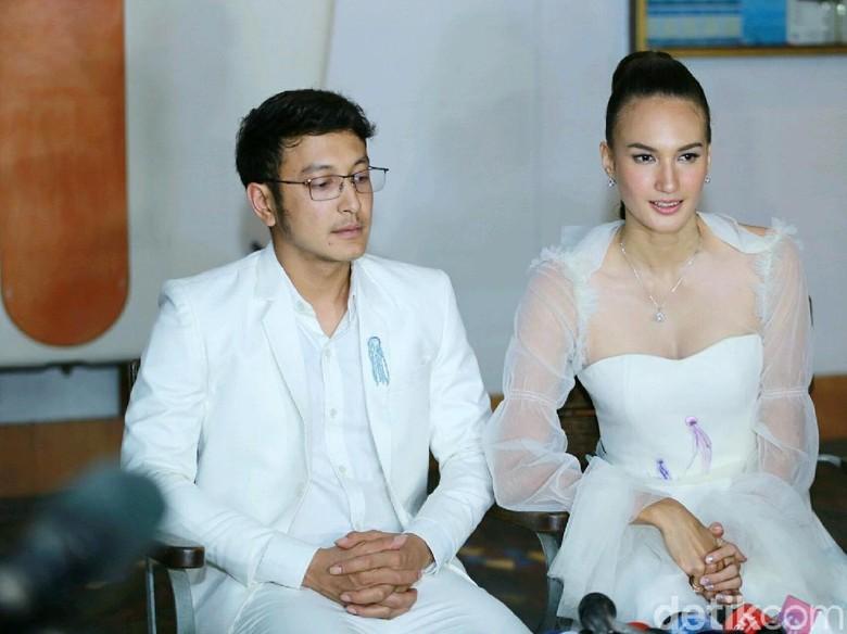 Kata Dimas Anggara soal Kabar Nadine Chandrawinata Hamil