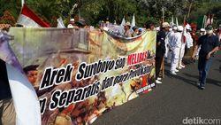 Massa Ormas di Surabaya Turun Jalan Tolak Aksi Separatisme