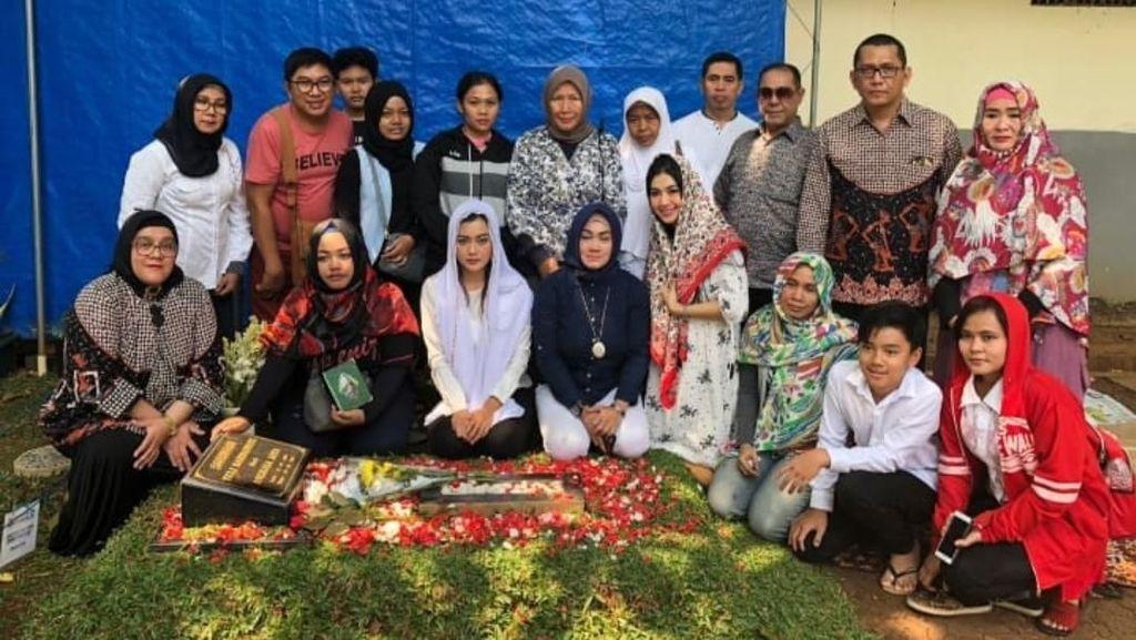 Ultah Jupe, Keluarga Kumpul dan Makan Bareng di Warung Ruben Onsu