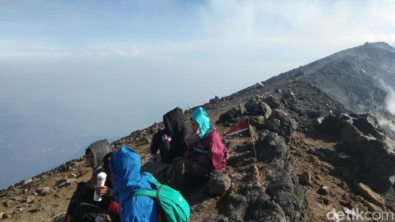 Puncak Gunung Slamet via Jalur Guci, Tegal (Muhammad Idris/detikTravel)