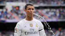 Ronaldo Hingga Messi, Para Bintang Sepakbola yang Muntahkan Air Minumnya