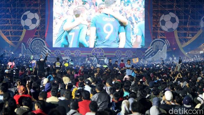 Suasana nonton bareng Final Piala Dunia Foto: Ari Saputra/detikcom