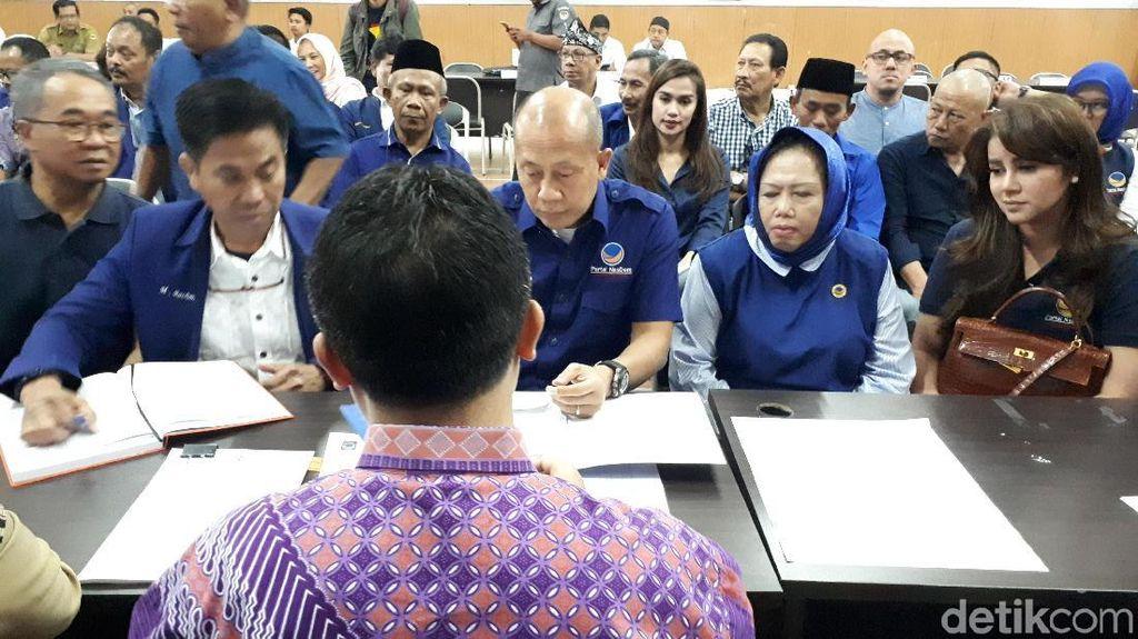 Jadi Caleg NasDem, Olla Ramlan Ikut Ramaikan Pendaftaran di KPU Jabar