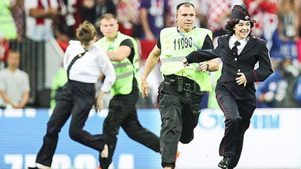 Kejar-kejaran Band Punk Rusia di Final Piala Dunia