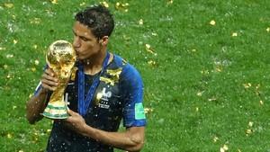 Varane dan Para Juara Liga Champions + Piala Dunia di Tahun yang Sama