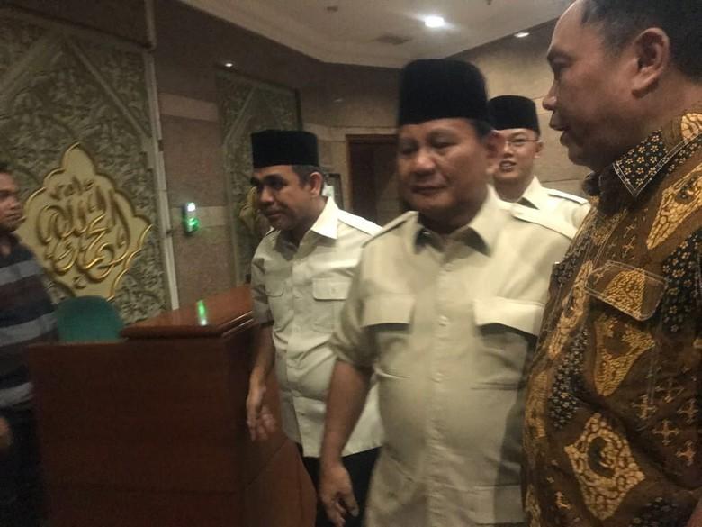 Prabowo Sebut Nama Cawapresnya Mungkin Ada di Kantong Said Aqil