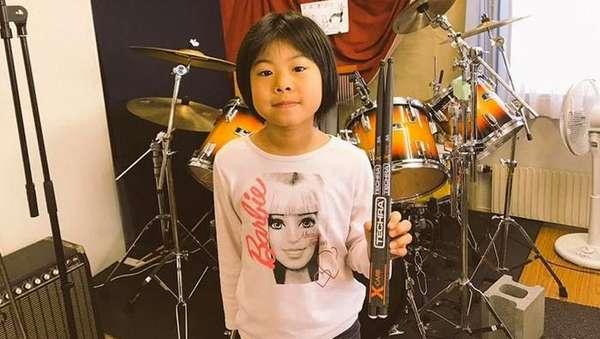 Ini Gadis 8 Tahun yang Aksi Drumnya Dipuji Robert Plant