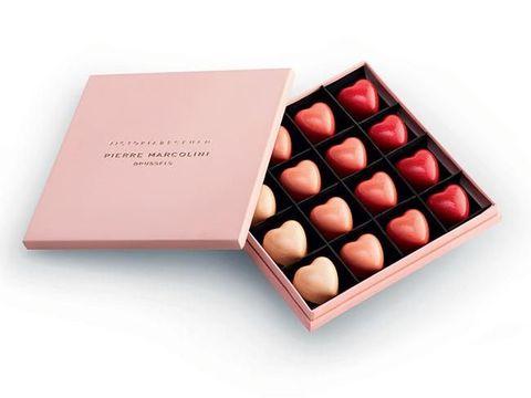 Nggak Suka Makan Manis, Victoria Beckham Rilis Cokelat High-end Rp 667 Ribu
