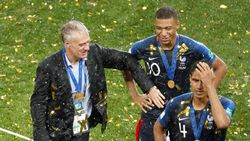 Di Euro 2020, Prancis Masih Dilatih Deschamps atau Ganti Zidane?