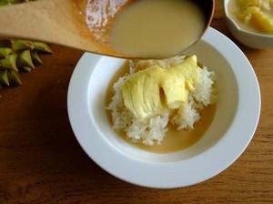 Pencinta Durian, Ini 7 Cara Asyik Makan Durian Selain Dilahap Segar