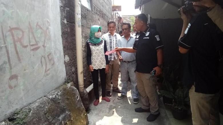 Polisi Olah TKP Pembegalan Payudara Mahasiswi di Depok