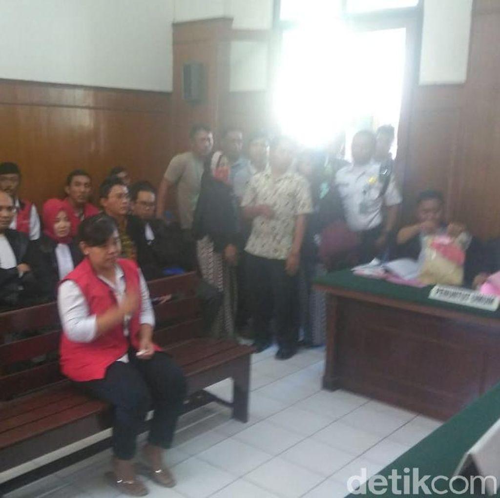 Sidang Istri Bunuh Suami di Surabaya, Saksi: Karena Perselingkuhan
