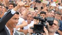 Ibunda Ronaldo Bantah Lebih Inginkan Putranya Balik ke MU