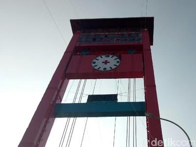 Terus Bersolek, Jembatan Ampera Kini Punya Jam Analog Raksasa