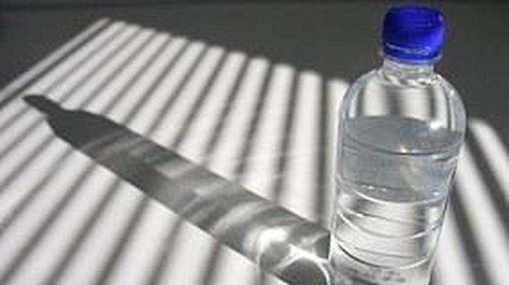 Pengujian di Australia: Air Mineral Botolan Tak Lebih Sehat dari Air Ledeng