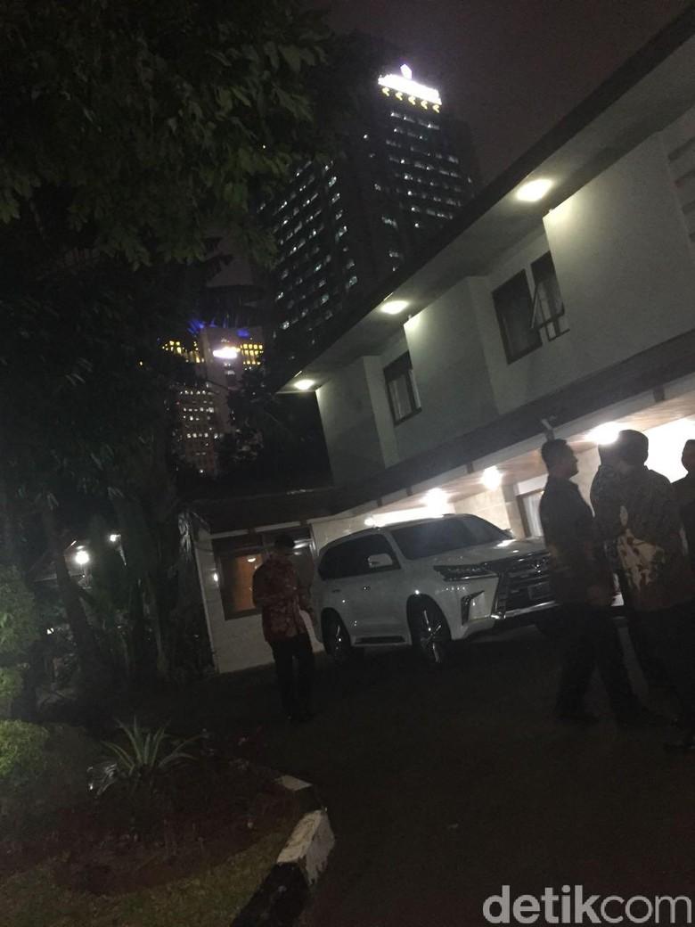 Usai Bertemu Puan Diam-diam, Prabowo Temui Zulkifli Hasan Malam-malam