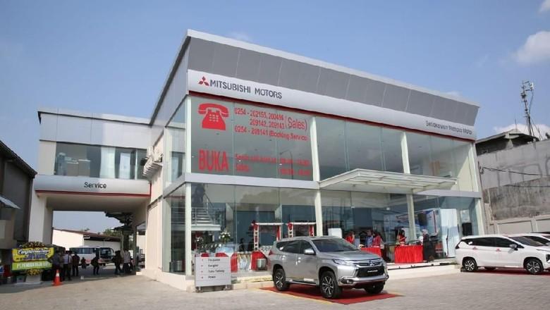 Diler Mitsubishi Foto: Akfa Nasrulhak