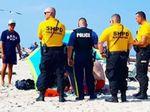 Asyik Berjemur, Lansia Wanita Tertusuk Payung Pantai di New Jersey