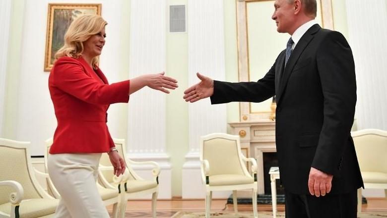 Aneka Gaya Presiden Kroasia Saat Bersama Para Pemimpin Dunia