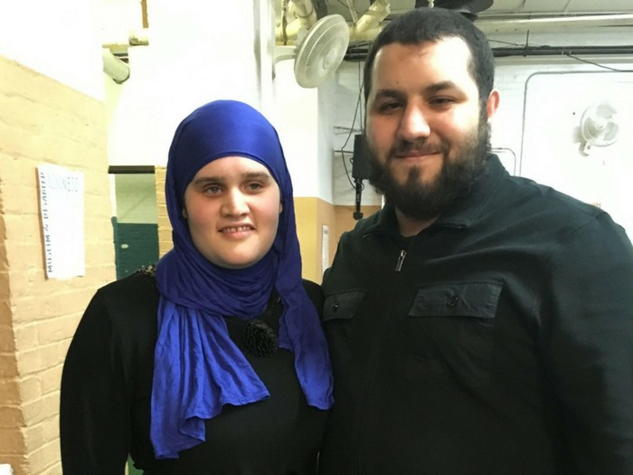 Pasangan suami istri tuna netra rilis terjemahan Alquran braille. Foto: Dok. Islam by Touch