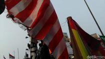 Potret Bendera Asian Games Bertiang Bambu yang Bikin Netizen Miris