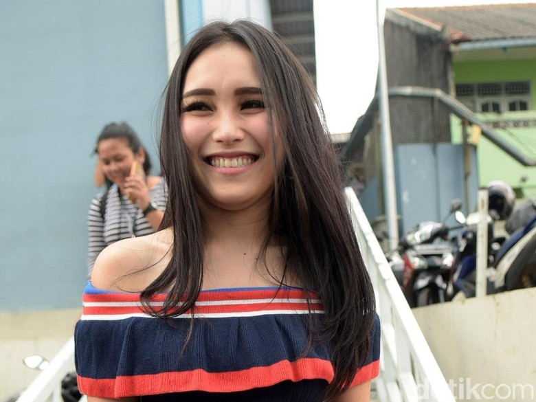 Support Putri Denada, Ayu Ting Ting Bertukar Voice Note