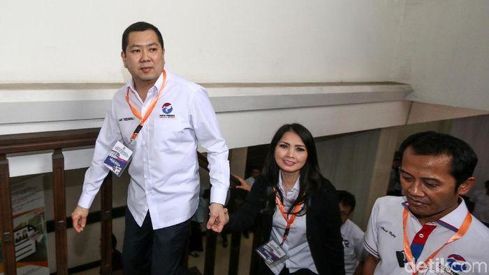 Partai Perindo mendaftarkan bakal calon anggota (bacaleg) legislatif 2019 mereka di KPU, Selasa (17/7/2018). Perindo dipimpin langsung oleh sang ketum, Hary Tanoesoedibjo.