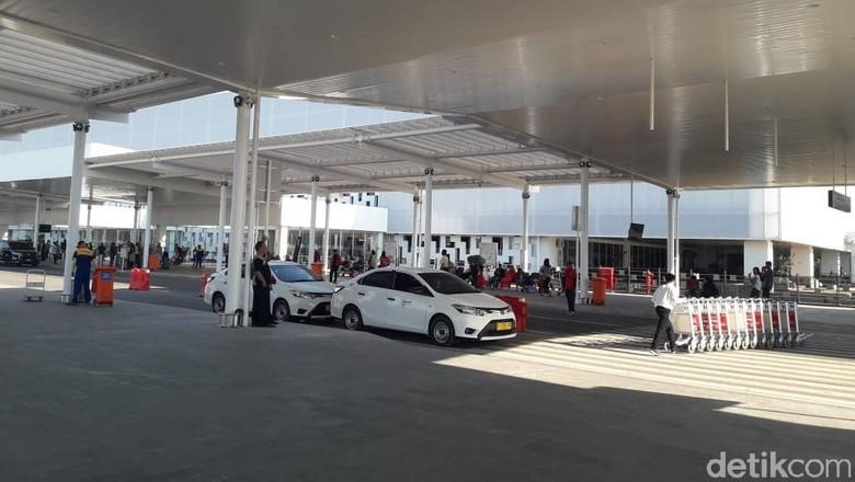 Siapa Penghadang Penumpang Taksi di Bandara Semarang yang Viral?