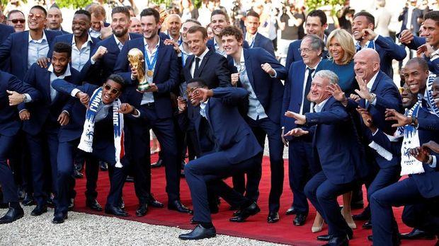Timnas Prancis berhasil jadi juara Piala Dunia untuk kedua kalinya setelah pertama kali meraih sukses pada 1998.