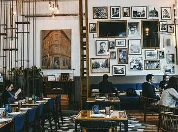 Ngopi dan Berfoto Cantik Bisa Dilakukan di 9 Kafe Instagramable Ini
