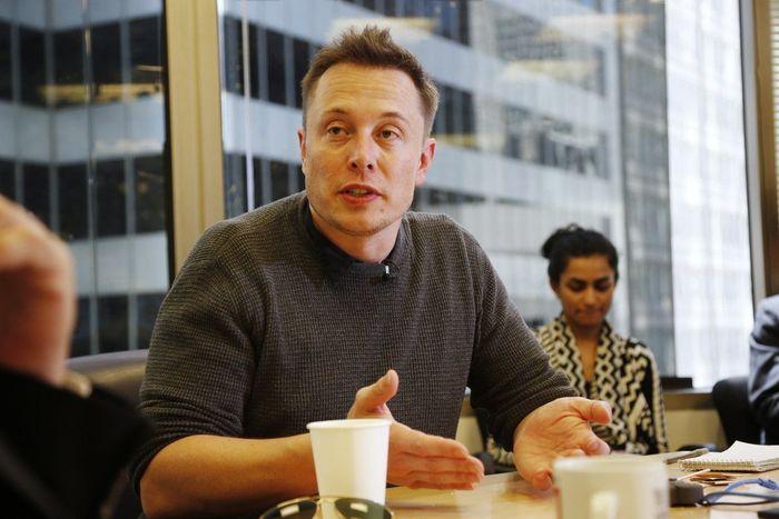 Elon Reeve Musk FRS merupakan seorang pengusaha sekaligus insinyur cerdas, yang memiliki perusahaan mobil dan roket. Pria kelahiran Afrika Selatan ini, ternyata memiliki hobi masak. Foto: Istimewa