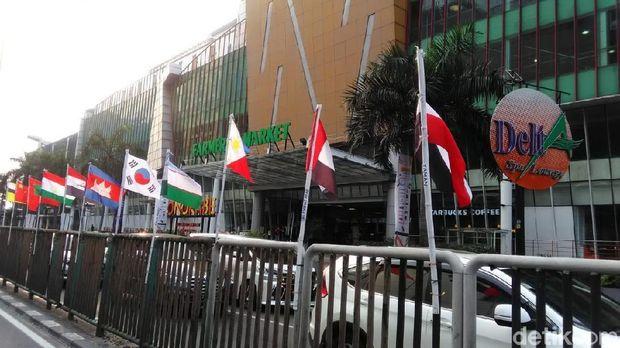 Bendera Peserta Asian Games yang Diikat Bambu Dicabut