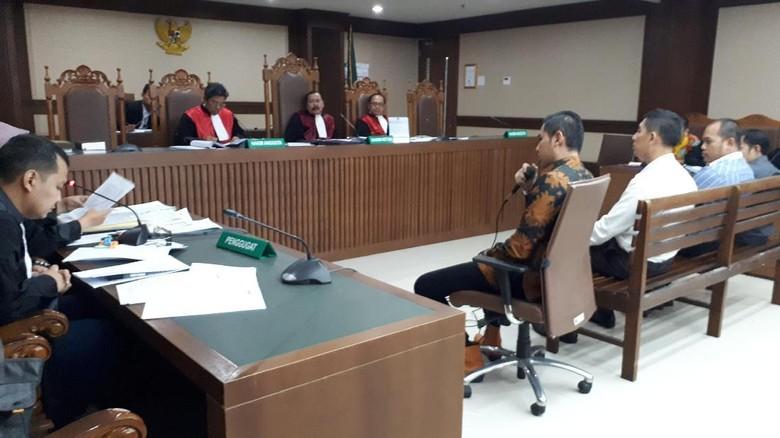 Hakim Tegur Ponakan Rudi Erawan di Sidang: Jangan Bikin Masalah
